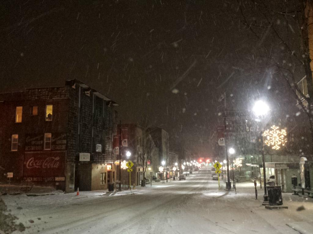High Street  #morgantown #snow http://t.co/9WqVFzfuDU