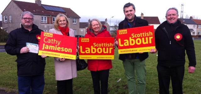 Good have @Margaret_Curran in #Kilmarnock today with @KillieLabour #labourdoorstep http://t.co/hOhx7yazsf