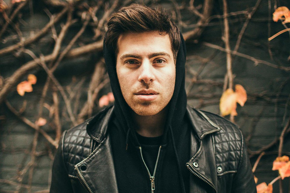 Get to know the latest @MTV Artist To Watch, @HoodieAllen right now at http://t.co/dwGc9cCY9v. http://t.co/jtm9IZILna