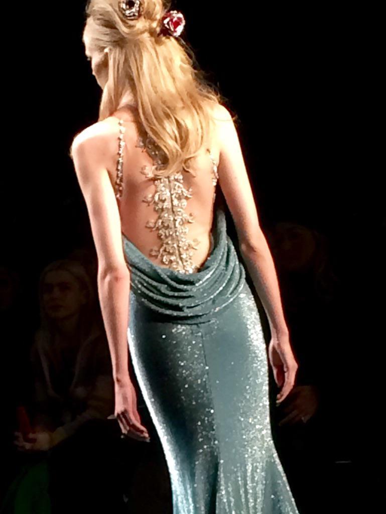 A beautiful illusion-beaded draped back at @BadgleyMischka ... #NYFW http://t.co/KMjwpa0jeK