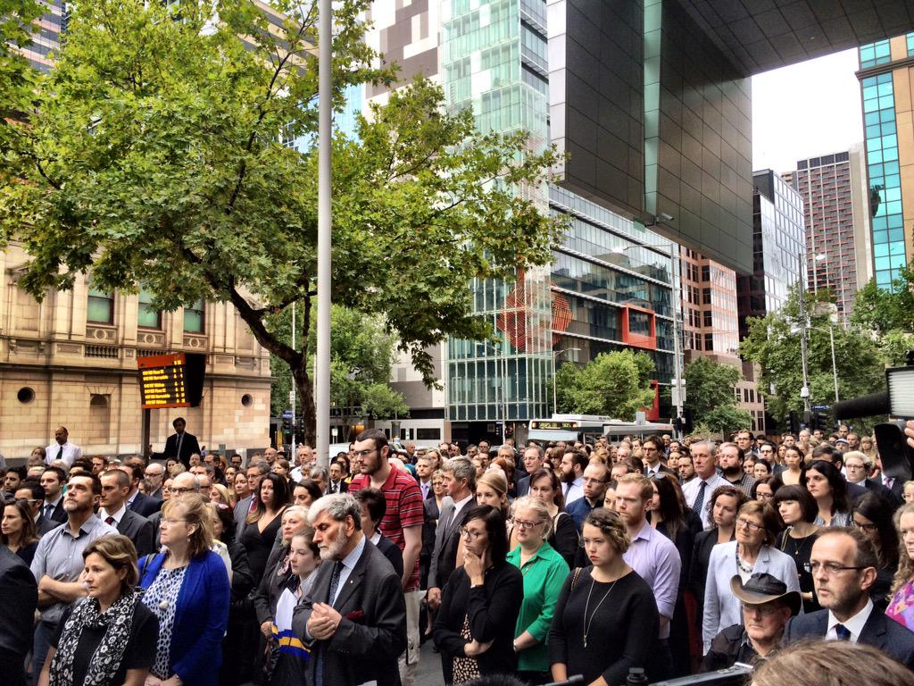 Legal fraternity opposes the death penalty at #Melbourne vigil #Bali9 @abcnews @BreakfastNews http://t.co/2myk5Rk8wg