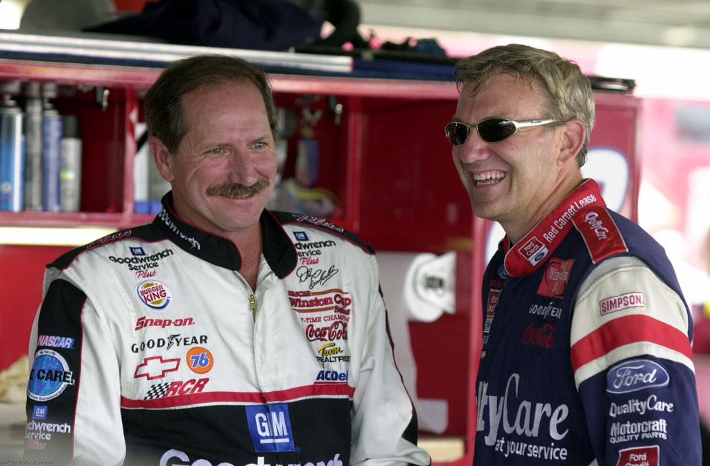 Remembering Dale Earnhardt today. #nascar http://t.co/AuE09PqL21