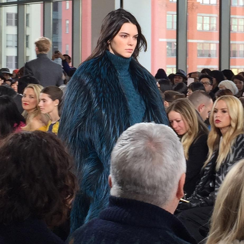 Kendall AND Gigi on the runway at Michael Kors http://t.co/Q97X3LfiW1