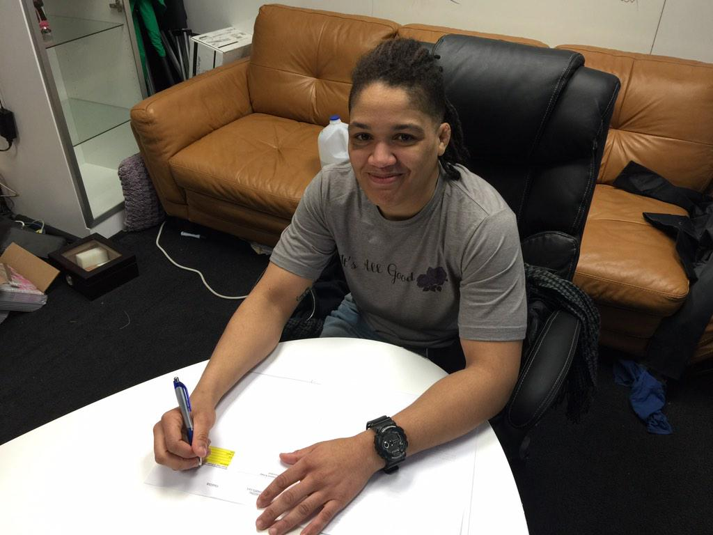 Congrats 2 @SarJnCharge 4 getting signed to @InvictaFights 125 pounders R put on notice! @SuckerPunchEnt is the best http://t.co/9GFyj4UJil