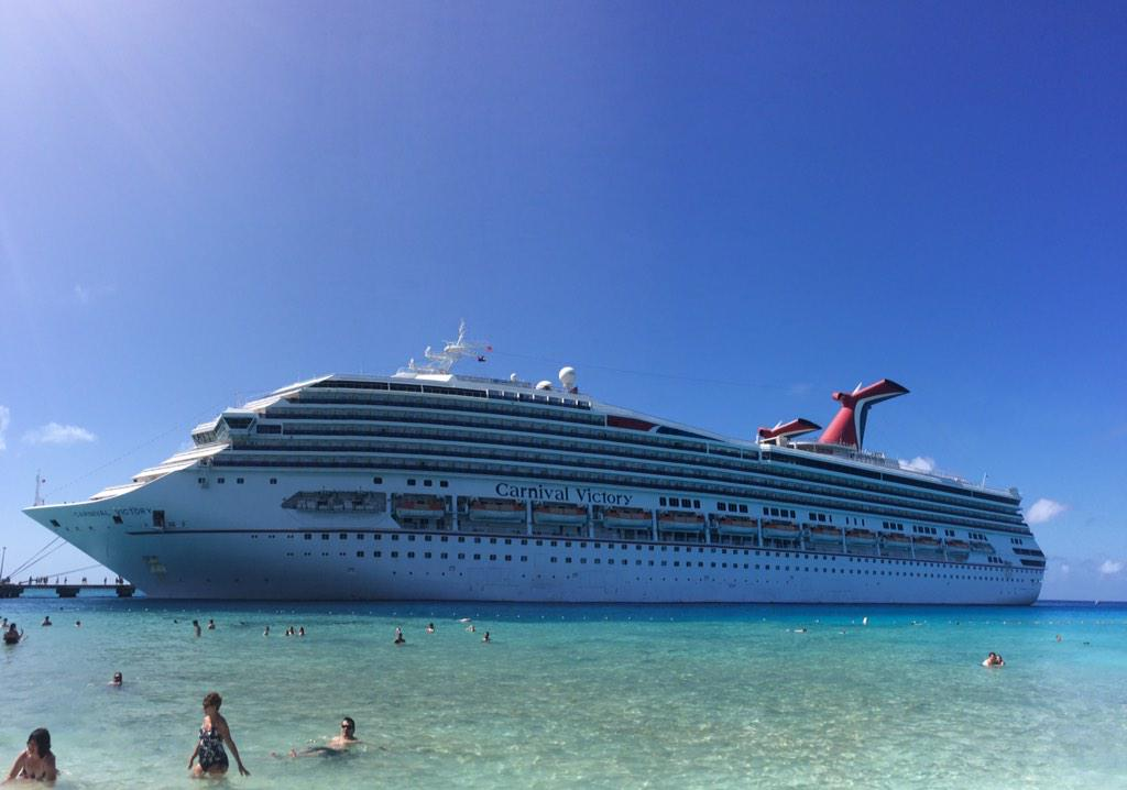 Live from Grand Turk... RT if you wish you were here. :) http://t.co/b1InGo2krs
