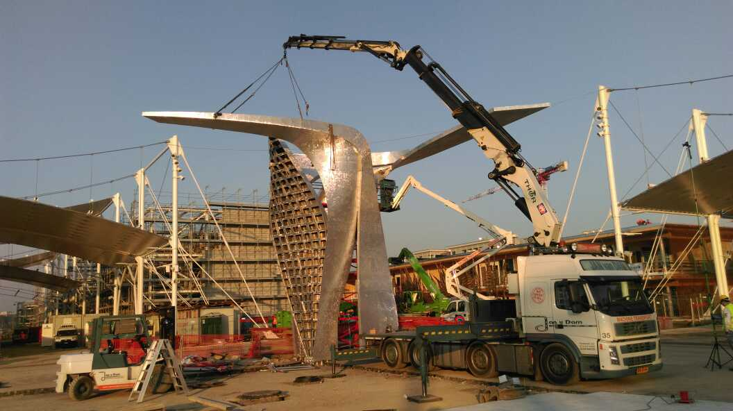 Our project for Siemens is being installed at Expo Milano! http://t.co/rak8zvj7vz