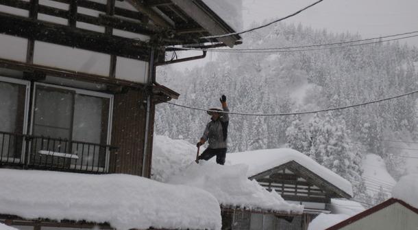 【行きたい人募集中】 除雪中の事故と過疎・高齢の関係を考える雪かきツアー 豪雪地帯の新潟県十日町市で、実際に体験してみないとわからない雪かき体験しませんか? https://t.co/SCWt5kjfY8 http://t.co/ejIo8D6tiw