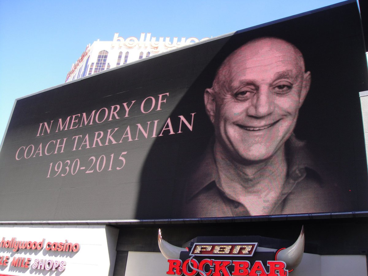 Tonight at 10:30 we will #DimTheLights4Tark in honor of legendary UNLV Coach Jerry Tarkanian! #AlwaysARebel http://t.co/wJyXp9iqYU