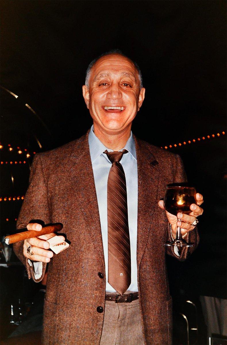 Tonight all properties will dim their lights in observance of Jerry Tarkanian @ 10:30PM #AlwaysARebel http://t.co/fxwEsccwlq