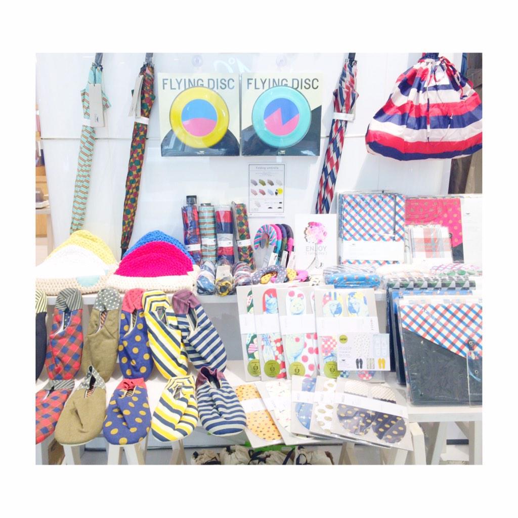 名古屋パルコのお店できました\(^o^)/今日から来週金曜まで開催してます!私も最終日27日金曜までいますー⭐️みんな遊びに来てね!!!✨ #acidgallery #名古屋パルコ #西館1F #新作だらけ #雨具グッズもあります http://t.co/nWXZGMttTJ