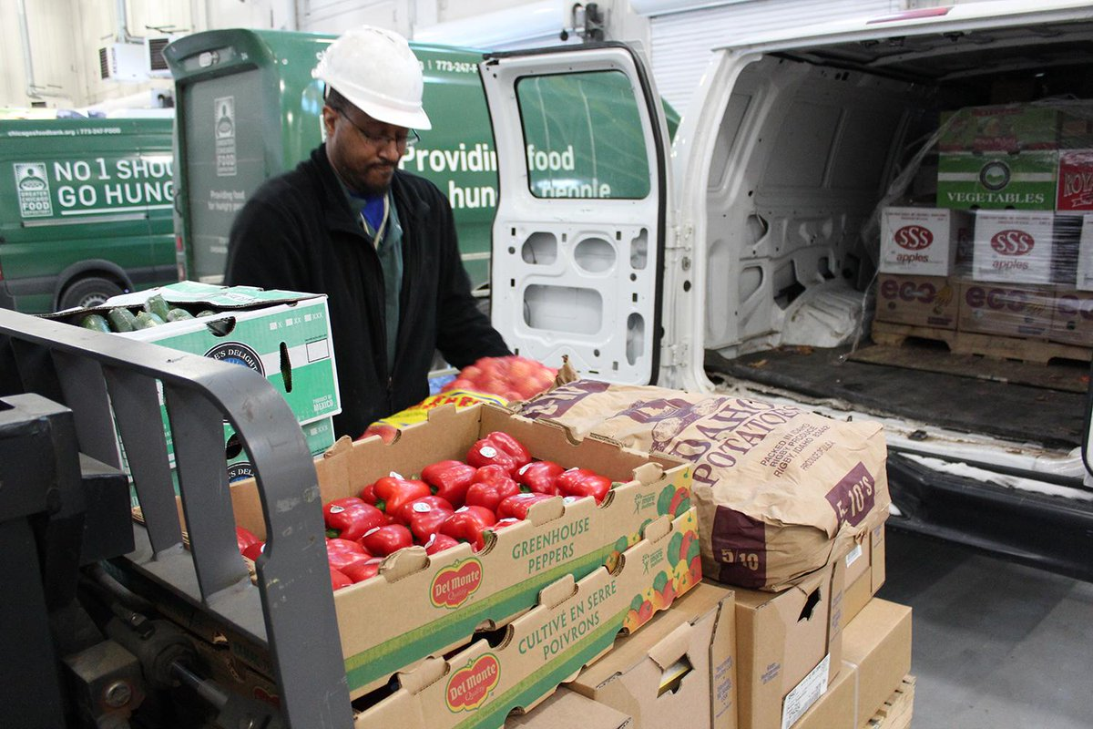 Record lows not standing in the way of distributing more than 150,000 pounds of food today. #No1ShouldGoHungry http://t.co/Un2DGFmn2Y
