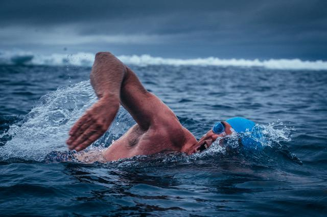 Congrats to @LewisPugh who just completed the Cape Adare swim - the Southern-most long distance swim ever #5swims http://t.co/GHrribc5yt