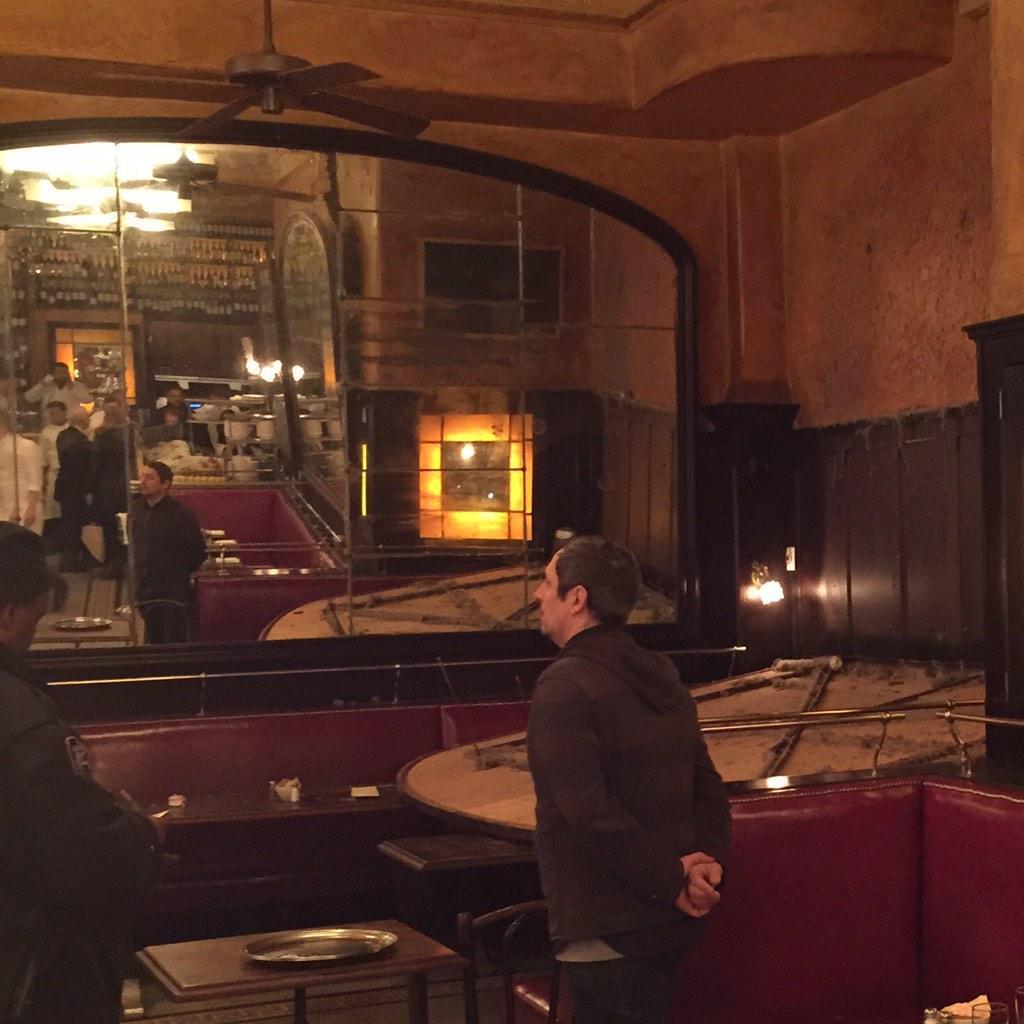 New york arnaud montebourg bless par la chute d 39 un for Montebourg miroir