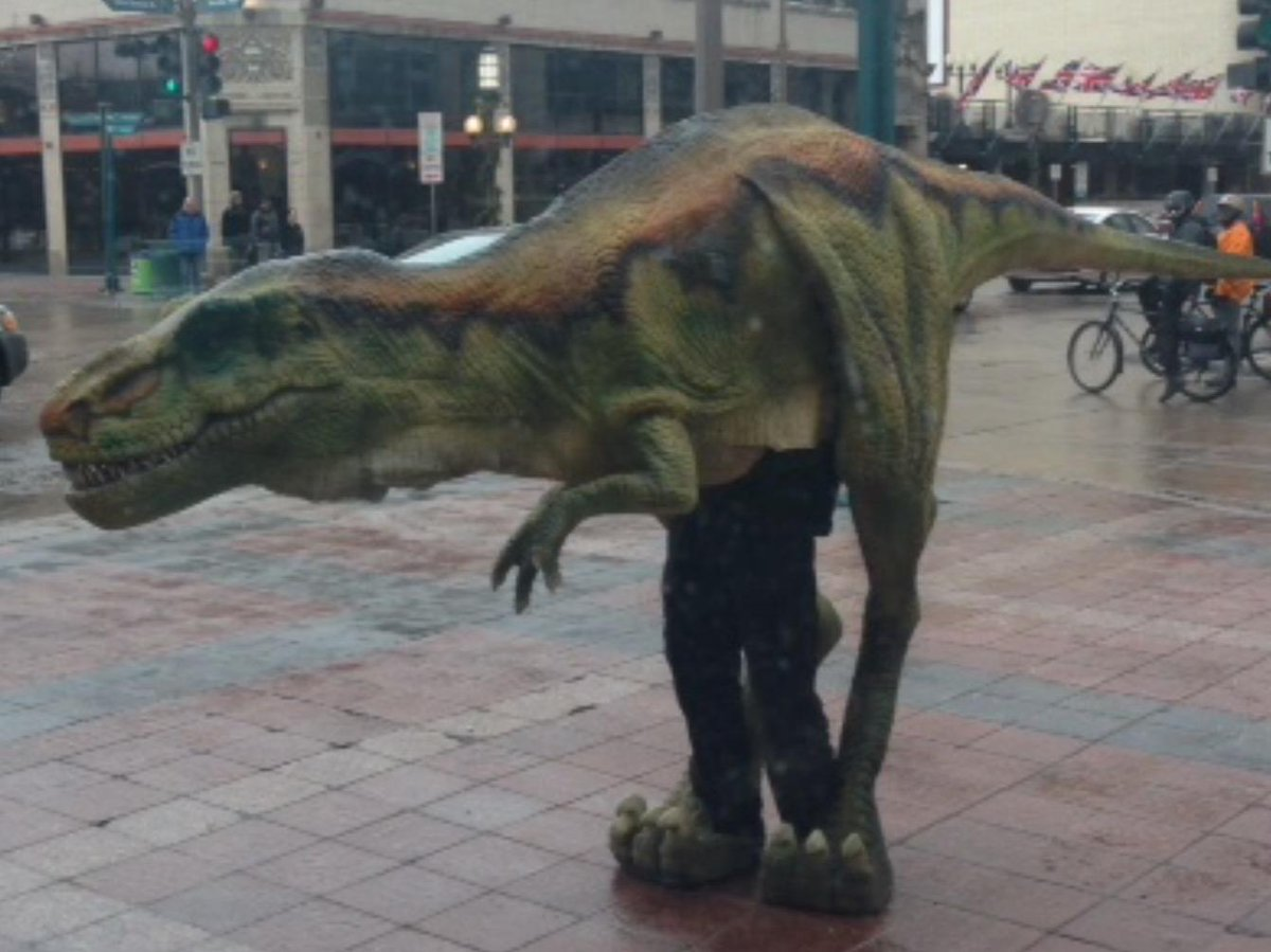 So I just saw this walking down Nicollet Mall. http://t.co/FqUGlpHHlF