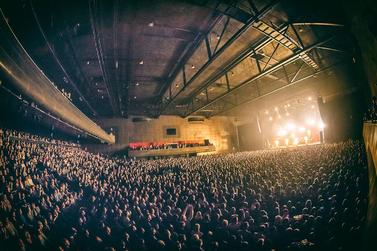 What an amazing night, thank you everyone that party along with @kensingtonband at @HMH had the time of my life! WOW! http://t.co/TWVwQlaLfn