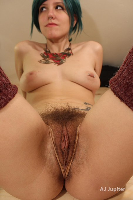 RT if you love hairy pussy! more on http://t.co/Pw3GH4KKPY ? @hairynude @hairy_taco @PaullyLaggin @BigMeatyFlaps2