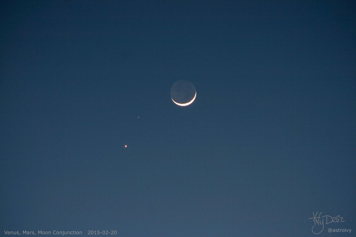 Look up! Beautiful Venus, Mars, Moon Conjunction happening right now. This is how it looks from California. <3 http://t.co/9fRmkbSDeX