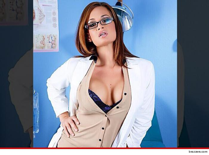 Top Porn Star Tory Lane Was Arrested After Going Nuts On A Delta Flight