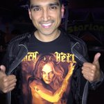 RT @lenayada: With Hubby @DAVIDMDRAIMAN Watching @JohnMoyerBass Play & Saw A Familiar Face On A Shirt! @sebastianbach @Suzanne_Le http://t.…