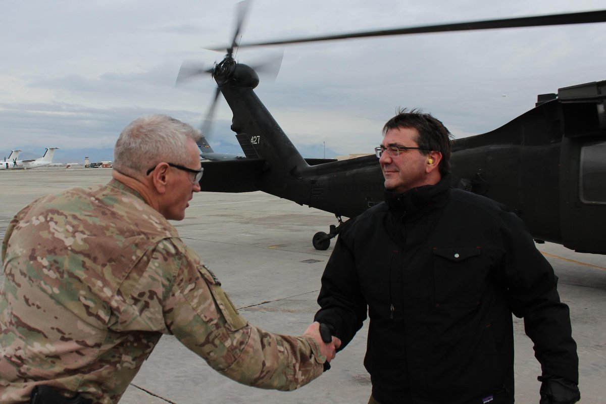 Days after swearing in as #SecDef, Hon. Carter hits the ground in #Afghanistan gets update from #US4A leaders. #ROTM http://t.co/KI38d1BXyV