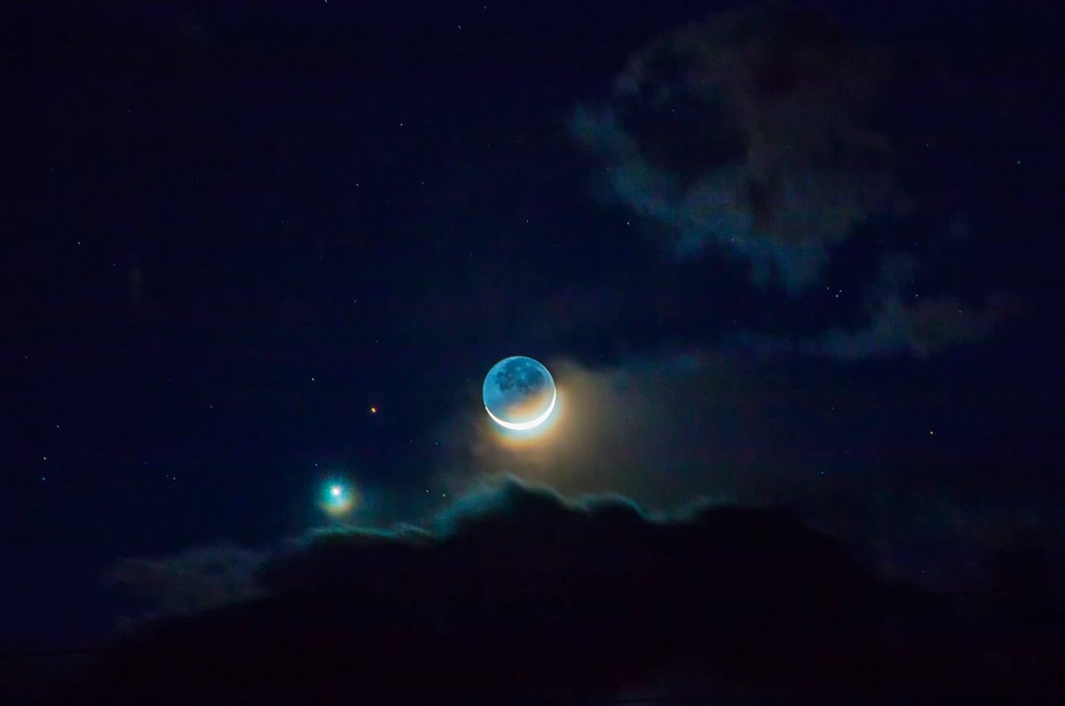 Tonight ... closest conjunction of Venus & Mars since 2008. http://t.co/PxKWgWTmIG  Photo: Joe Randall http://t.co/TE7eIoPeiR