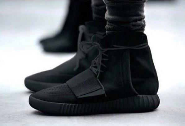 """@yo: Am I the only one waiting for the black #YEEZYBOOST? http://t.co/sAenKpaZMQ"" @PrettyBoy_Zwagg"