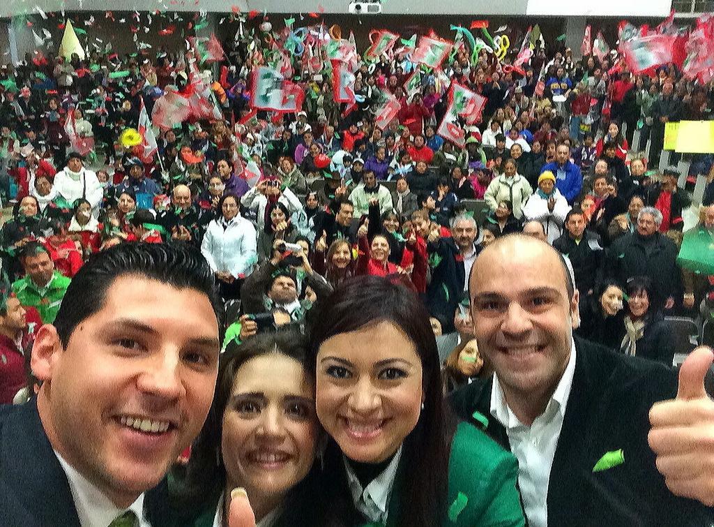 Alhinna Vargas (@AlhinnaVargas): Gran ambiente de unidad entre mis compañeros; somos un equipo fuerte y listo para lo que viene. http://t.co/mmcQVmgZnl