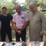 Happy Birthday to one of the bestest human beings & a great director  #SoorajBarjataya.:) @BeingSalmanKhan #PRDP http://t.co/gZ6Gba7A23