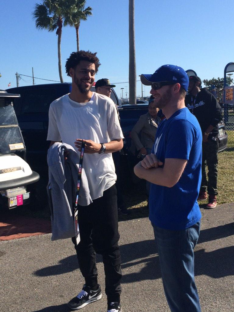 North Carolinians @DaleJr and @JColeNC chat prior to the #Daytona500 drivers meeting. http://t.co/9QVi6kaA1r