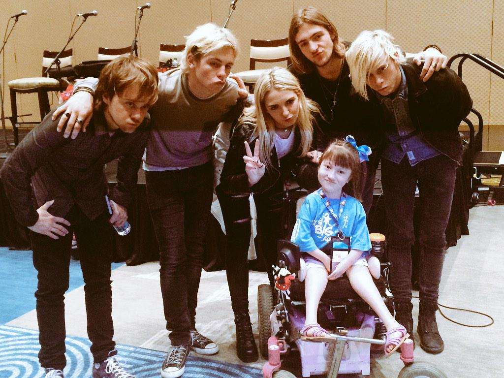 Zailey practicing her duck face with @officialR5 after their performance for us! #BBA2015 http://t.co/96mwKIm9sQ