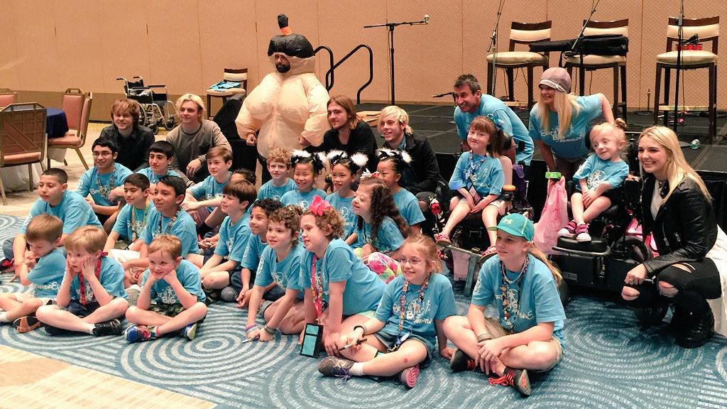 Thx for spending the morning w/us! RT @officialR5: Thanks @bertsbigadv for having us! We loved meeting all the kids! http://t.co/9mnrz12zmk