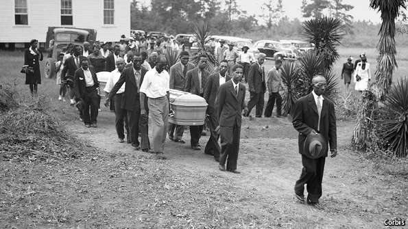 Between 1877 and 1950 almost 4,000 black southerners were lynched http://t.co/CX3nJnbvBD http://t.co/vCGrAdEO2G