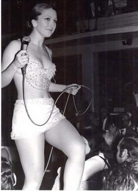 @eveyhugo96 este espectáculo de Angélica María fue en el Patio centro nocturno @angelicavale @angelicamaria http://t.co/YaiEiy6eNx