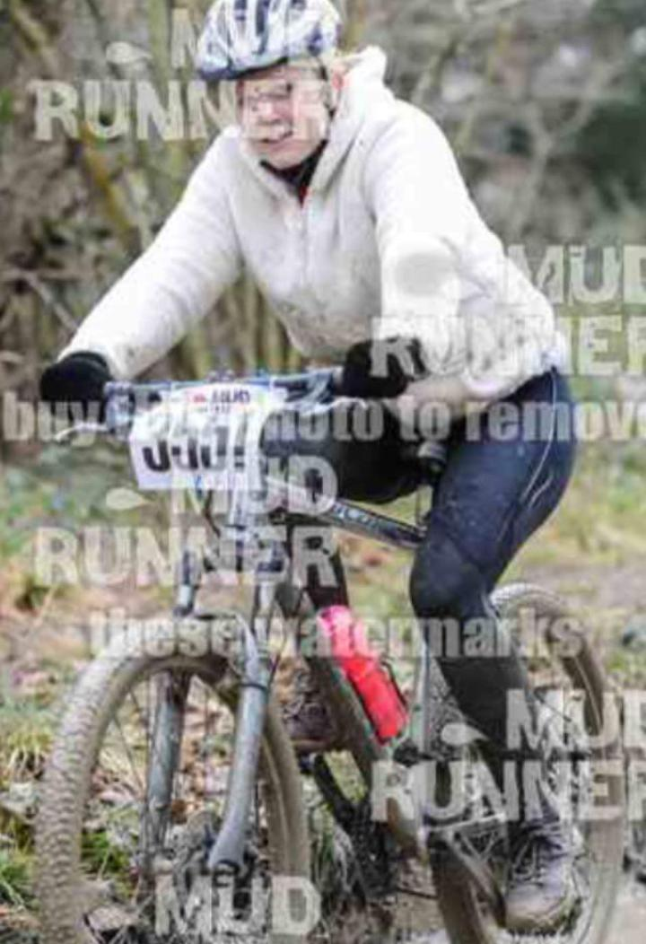 Stolen in #gloucester #Carrera mountain bike. The lady uses it for charity bike rides, still had race numbers on! RT http://t.co/Enq9TXbqM4