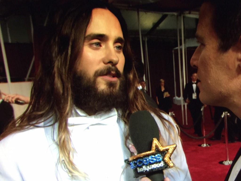 Billy discusses @JaredLeto being single ... HOW IS THAT POSSIBLE #Access #Oscars2015 http://t.co/Qznql2yJeb