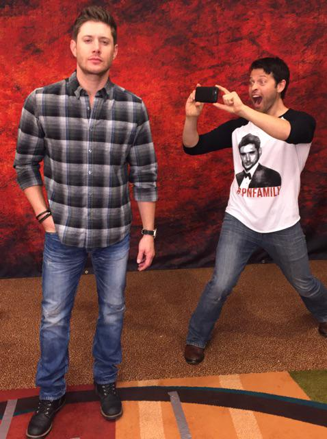 RT @mishacollins: I met @jensenackles and I totally fangirled. I'm so embarrassed. http://t.co/8Ydscug8it