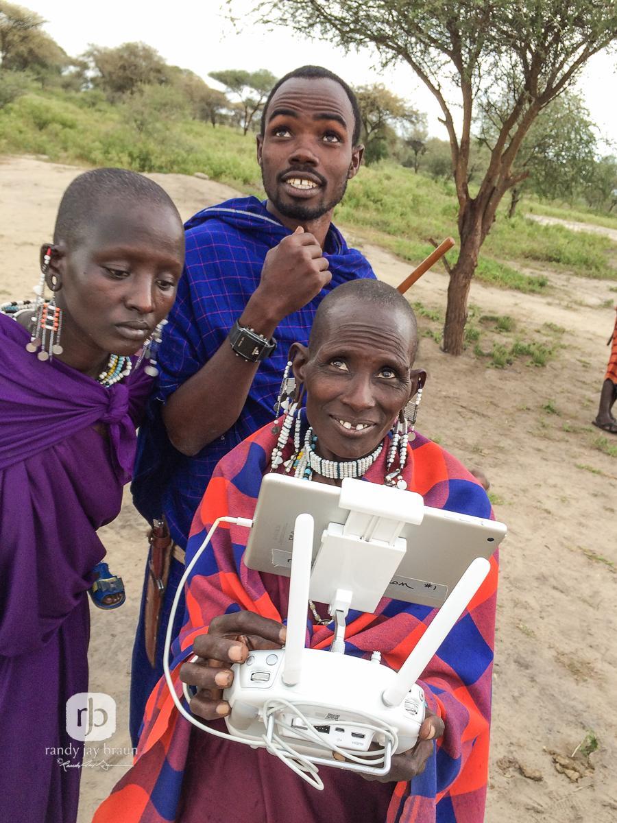 First #femalepilot of the #Maasai Tribe of #Kenya. Credit: @RandyJayBraun http://t.co/DrmHo9VRDw