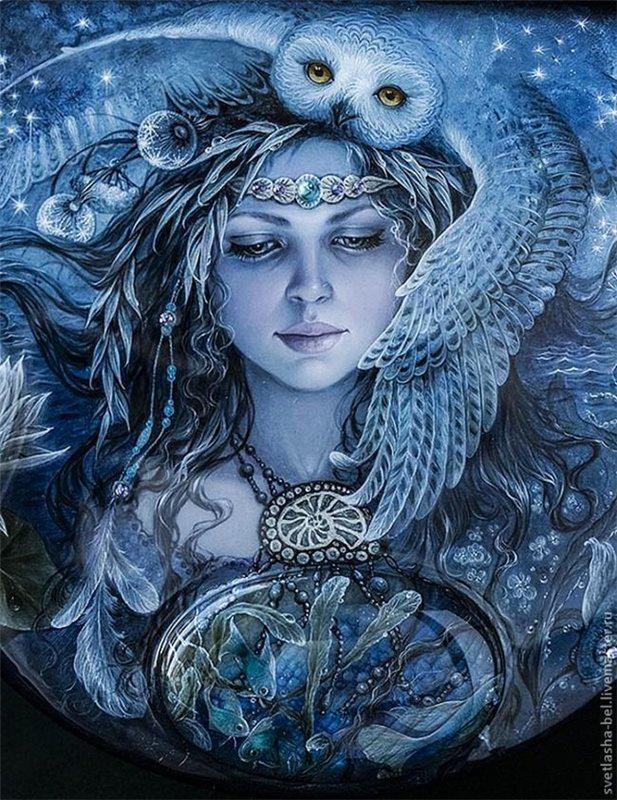 Сказочные работы Светланы Беловодовой.  Светлана Беловодова -художница миниатюрной живописи. В 1996 году она окончила