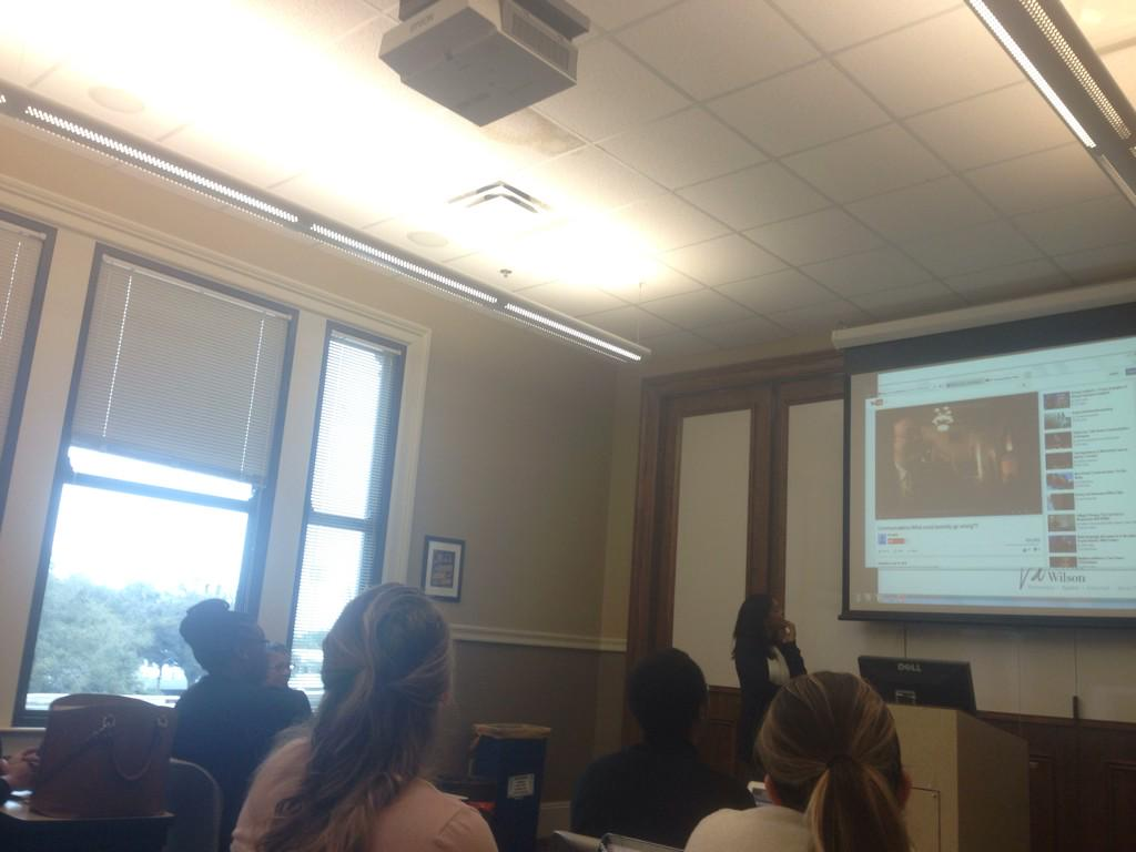 And we're off! Live from #LSUMC7043 #SGI is teaching @ManshipSchool grad students about effective social media use! http://t.co/hRWpWbnq7u