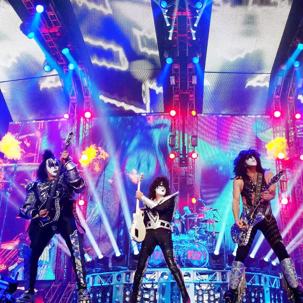 Last night in Nagoya! #KISSROCKSJAPAN http://t.co/OsthiuePpr