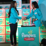 RT @MissMalini: Look! Gorgeous @geneliad talks pampers and being a new mommy! She looks fab lucky lucky @Riteishd :) xoxo http://t.co/Uf0Dg…