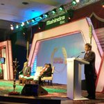 RT @TractorMahindra: @anandmahindra gets on stage to address the audience. #MSIAA2015 http://t.co/8QNJgzofFF