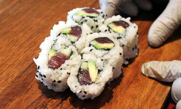 Like sushi? Well you'll like it even more if you make it yourself: http://t.co/tjDfRMYicr #LetsRoll http://t.co/4ucdpN42Qb