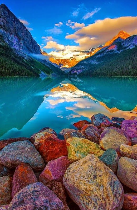 Rocky shore, lake Louise, Canada http://t.co/XjO8q2OFXq via @DerickPauls @4Sands @spotenthusiast @onhi