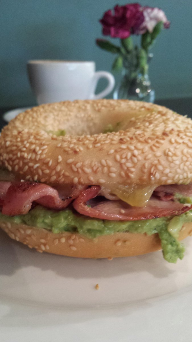 Hello there, Bacon, Cheese and Avo Bagel. http://t.co/kqD3lEO9Lc
