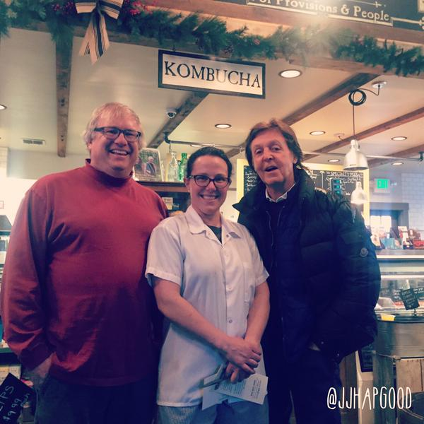 Sir @PaulMcCartney visits #Vt - @WCAX_Eliza reports http://t.co/EvWytQhjtX pic from @JJHapgood http://t.co/Y1LqwjDZAw