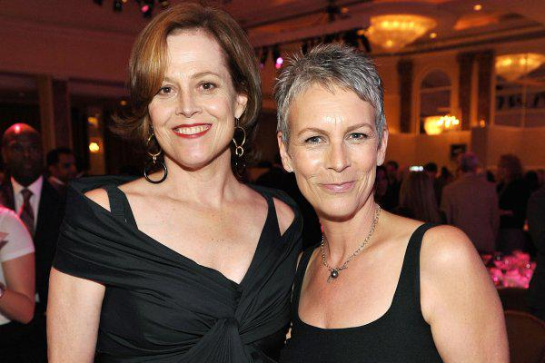 jamie lee curtis and sigourney weaver are fans of the marie kondo method too. Black Bedroom Furniture Sets. Home Design Ideas