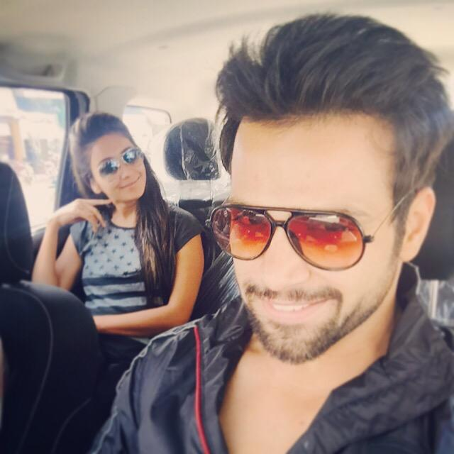RT @AshaNegi7: And who says Unisex isn't Cool! Look at us We exchanged our glares toda ...