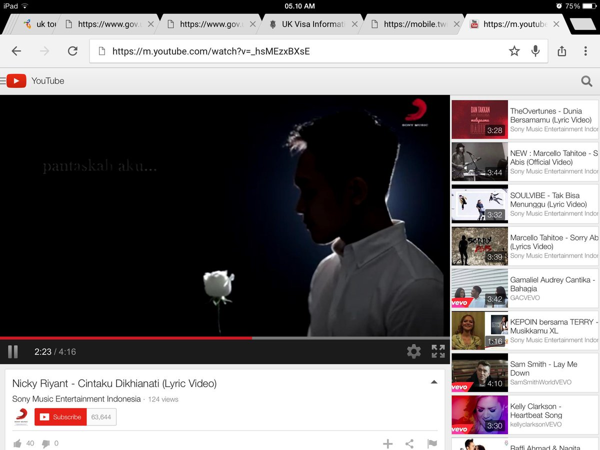 @NickRiyant single solo perdana, sdh liat belum? Liat yuk, nyesel deh klo ga liat,,,,, cc: @SonyMusicID http://t.co/jVZiXTuZkB