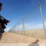 """Clôture """"high tech"""" en plein désert saoudien contre lEI http://t.co/pEpZNlLT1U par @IanTimberlake1 http://t.co/BO0GtNYBUI #AFP"""